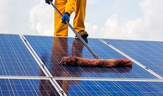 Các tấm pin năng lượng mặt trời tại Vĩnh Long hoặc những nơi khác cũng cần lau dọn nhé