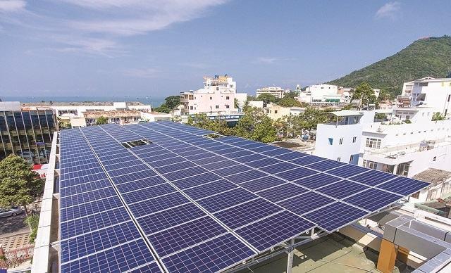 Lắp điện năng lượng mặt trời tại Điện Biên mang tới nhiều lợi ích cho xã hội